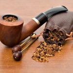Pfeife und Tabak klein